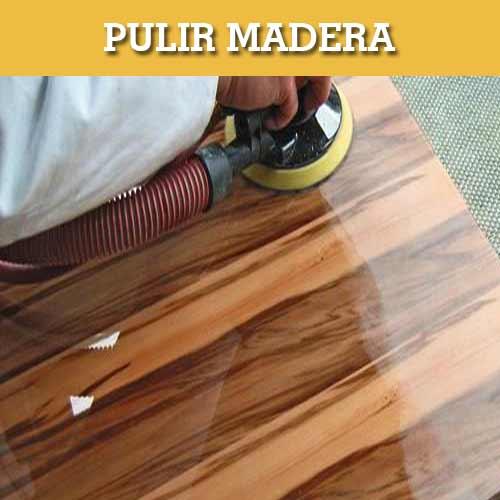 pulir madera a mano